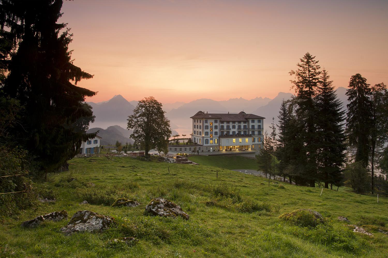 https://wangergarage.mazda.ch/wp-content/uploads/sites/26/2021/02/Hotel-Villa-Honegg-Aussenansicht-Sommer.jpg